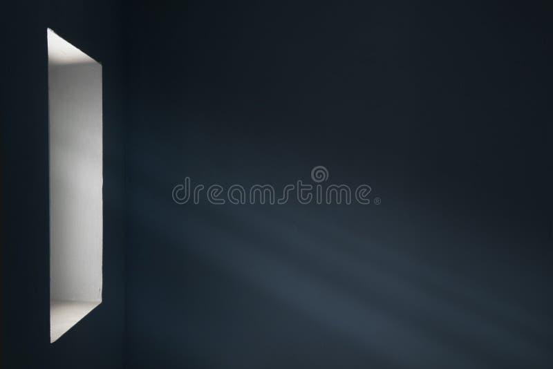 Rayons de lumière de la fenêtre photographie stock
