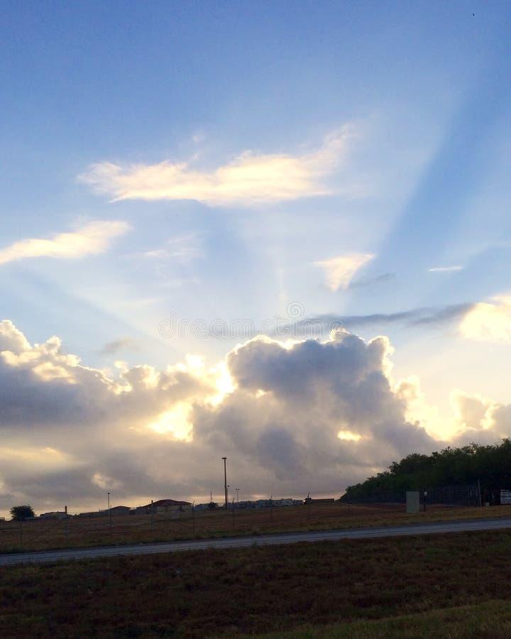 Rayons de lumière du soleil images libres de droits
