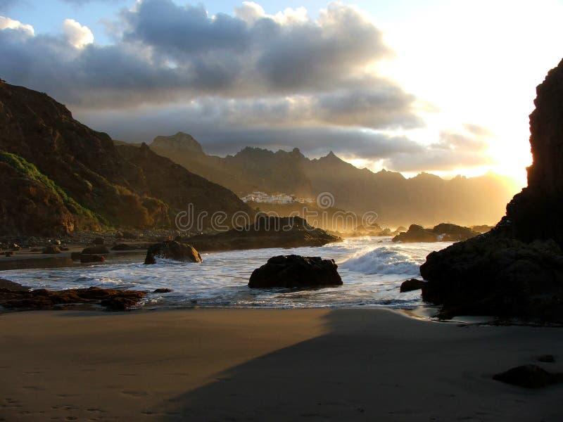 Rayons de lumière sur la plage 2 image stock