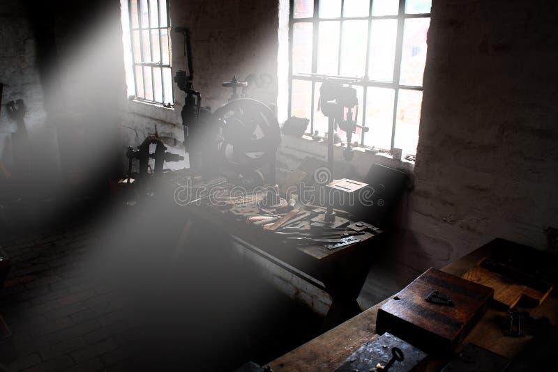 Rayons légers B d'usine images libres de droits
