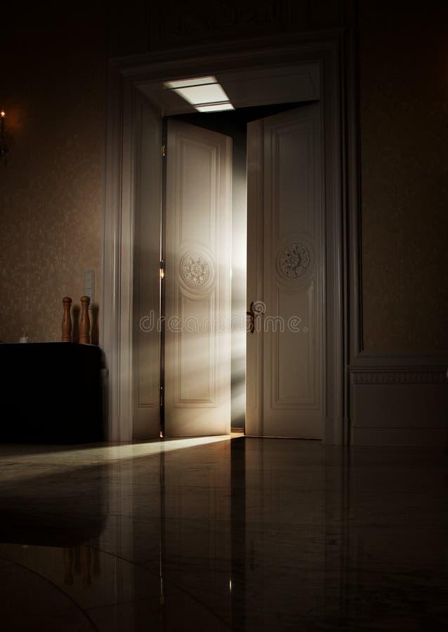 Rayos de la luz misteriosos imagen de archivo libre de regalías