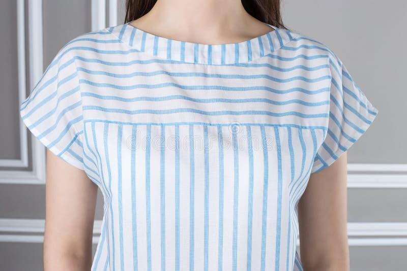 Rayures horizontales et verticales sur des vêtements photographie stock