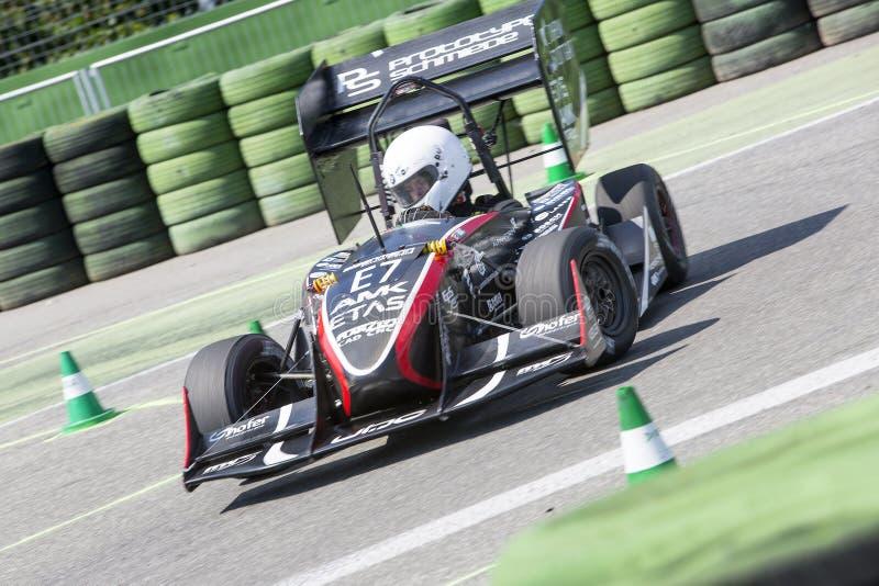 Raza de resistencia de coches de carreras accionados eléctricos fotografía de archivo