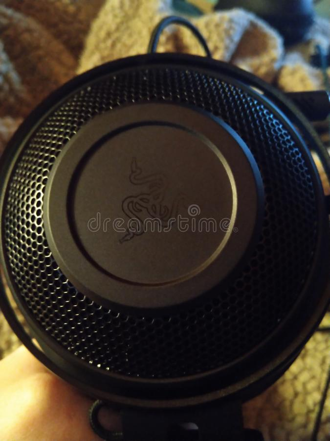 Razer Kraken - spela hörlurar med mikrofon 007 arkivbilder