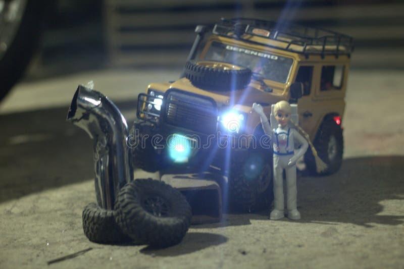 Rc Offroad Adventure Water Repellente Orange Remote Control Auto Remote Control Jeep Rc Terrain Muddy Rock Car fotografie stock