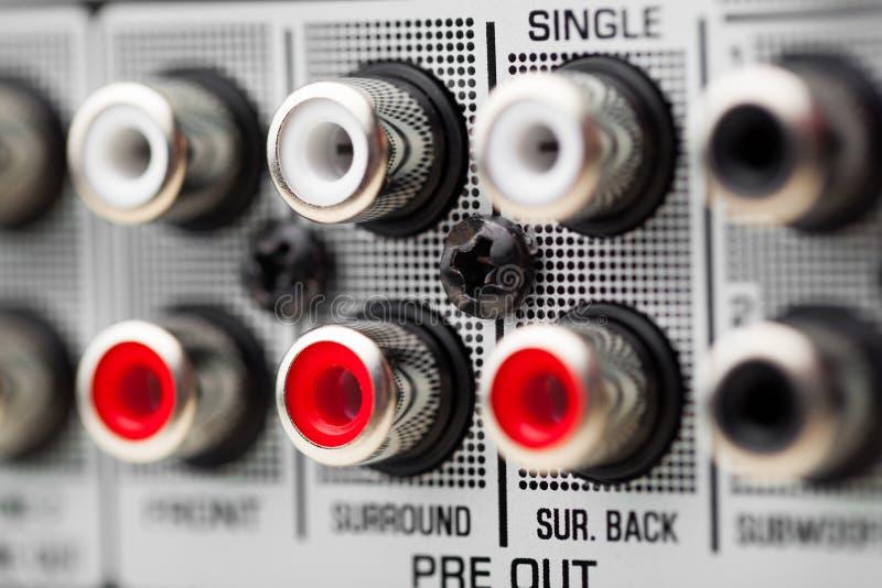 RCA håligheter av den ljudsignal surroundmottagaren arkivbild