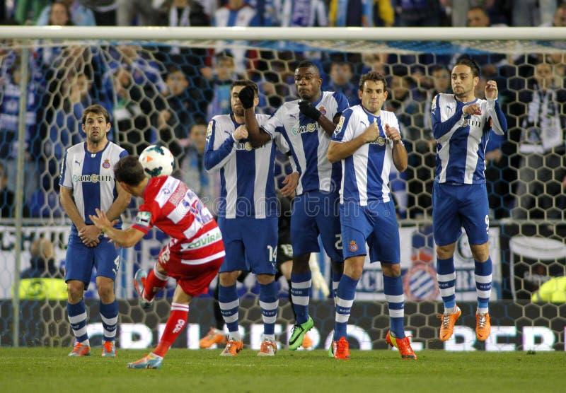 RCD Espanyol gracze na ścianie rzut wolny zdjęcia stock