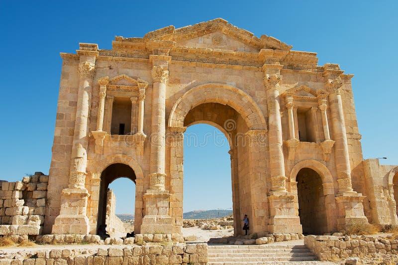 Rch de Hadrian na cidade romana antiga de Gerasa em Jerash, Jordânia fotografia de stock