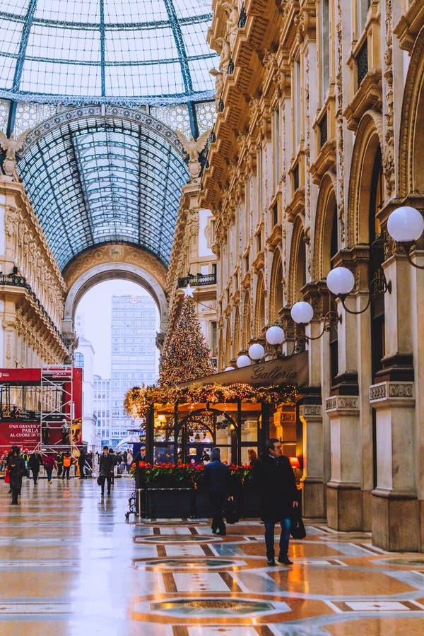 Rchitecture του Galleria Vittorio Emanuele ΙΙ arcade κοντά Piazza del Duomo στο κέντρο της πόλης του Μιλάνου και την κύρια περιοχ στοκ εικόνες