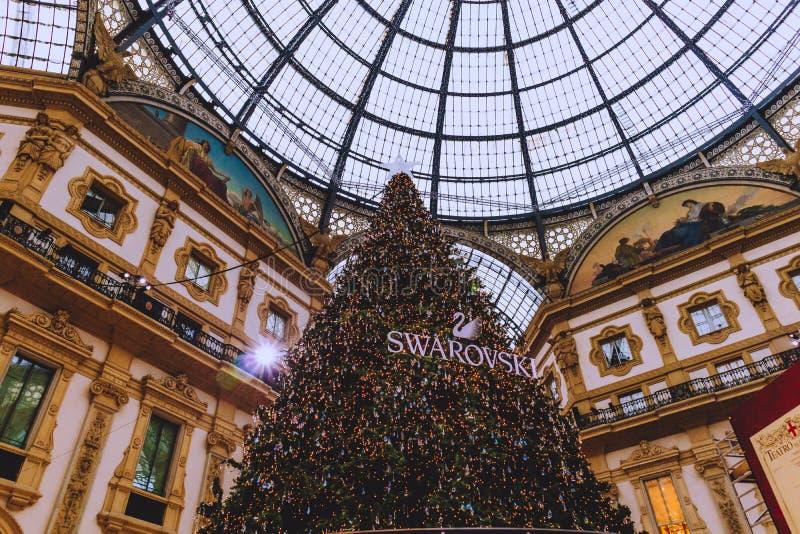 Rchitecture του Galleria Vittorio Emanuele ΙΙ arcade κοντά Piazza del Duomo στο κέντρο της πόλης του Μιλάνου και την κύρια περιοχ στοκ φωτογραφία με δικαίωμα ελεύθερης χρήσης