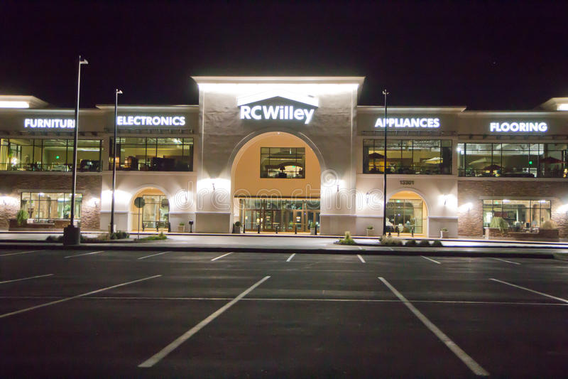 RCWilley-Gebäude @ Nacht lizenzfreie stockfotografie