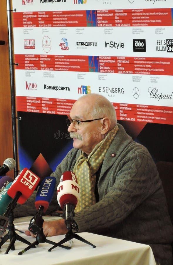 Re?yser filmowy Nikita Mikhalkov przy konferencj? prasow? zdjęcia royalty free