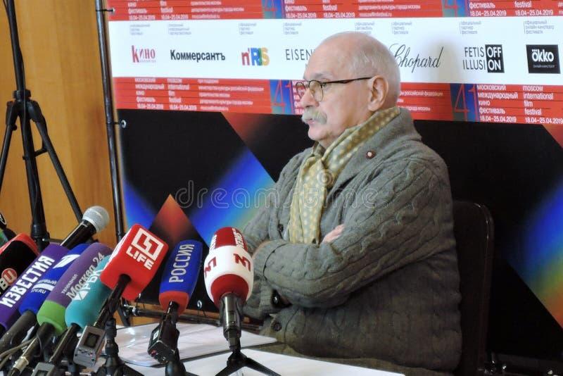 Re?yser filmowy Nikita Mikhalkov przy konferencj? prasow? zdjęcia stock