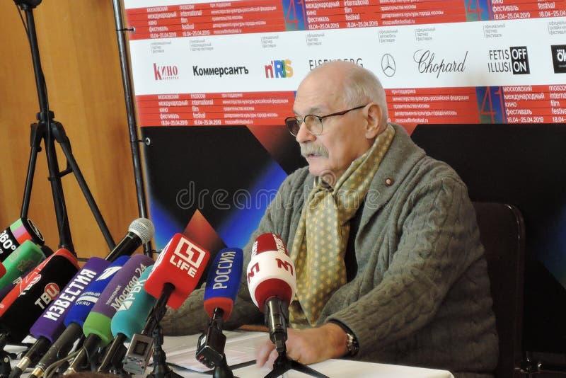 Re?yser filmowy Nikita Mikhalkov przy konferencj? prasow? zdjęcie royalty free