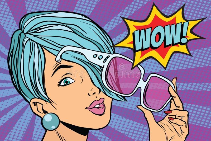 Reação da mulher do pop art dos óculos de sol uau ilustração royalty free