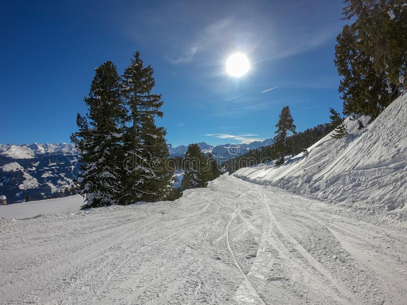 ?rea do esqui com tempo fant?stico imagens de stock