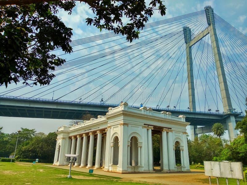 ?rea hist?rica e famosa de Kolkata da Kolkata-?ndia Prinsep Ghat é um dos pontos recreacionais os mais velhos imagens de stock