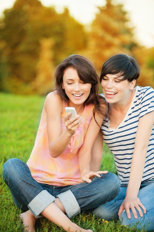read sms dwa kobieta fotografia royalty free