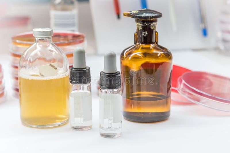 Reagente para testes do biochem para o micróbio patogênico do identifield fotografia de stock royalty free