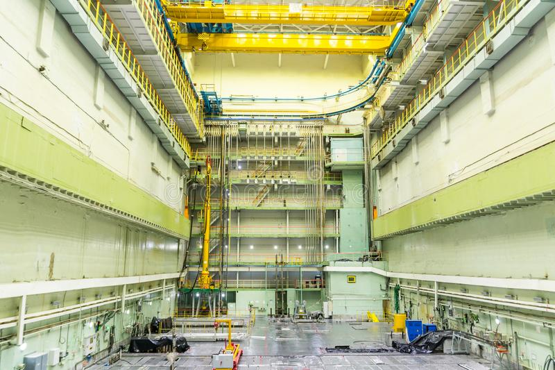 Reaktorraum Kernreaktordeckel, -Ausrüstungspflege und -ersatz der Reaktorbrennelemente lizenzfreie stockfotos