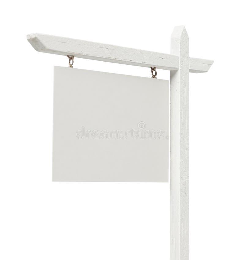 Real Estate in bianco firma su bianco con il percorso di ritaglio fotografia stock libera da diritti