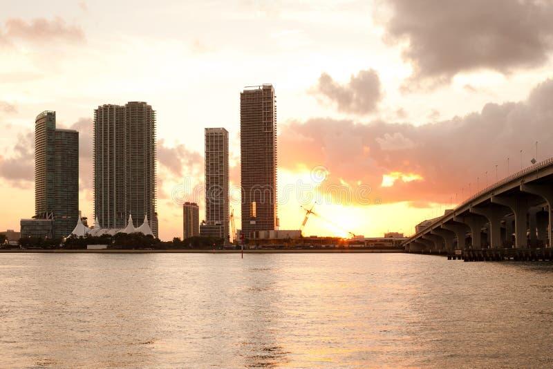 Real Estate-ontwikkelingen in Miami van de binnenstad stock foto