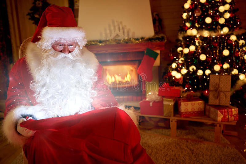 Real Santa Claus bring magic of Christmas royalty free stock photos