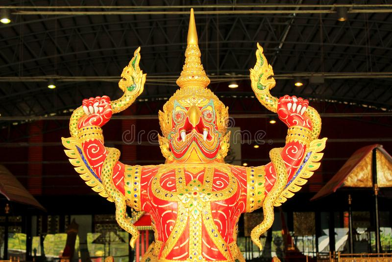 Reale barge dentro il museo nazionale delle chiatte reali, Bangkok, Tailandia immagine stock libera da diritti