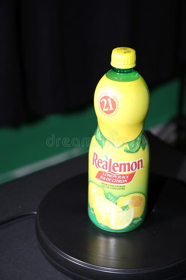 ReaLemon烙记厨师喜爱的柠檬味道 库存照片