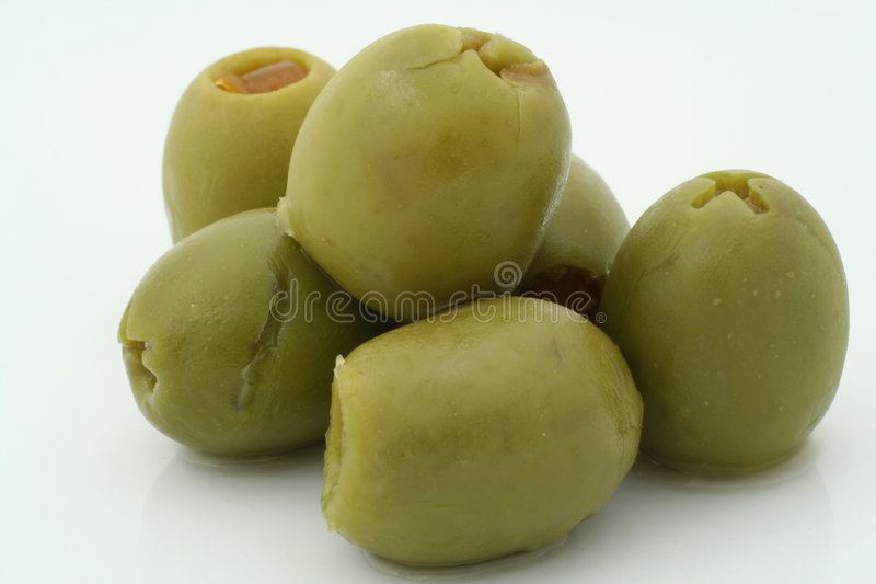Reales Makro einiger Oliven lizenzfreie stockfotos