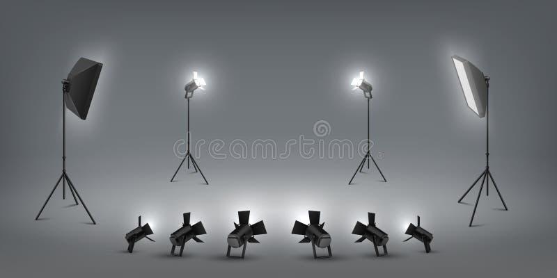 Realistisk str?lkastare Studioljuseffekter, flodljus och softbox, fotostudio och etappljus Vektorn st?llde in av konsert stock illustrationer