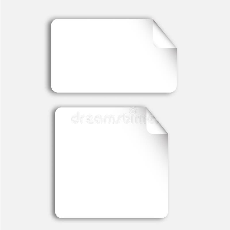 Realistiska ark för tomt papper, stycken, klistermärkeanmärkning med det krökta hörnet Vektoråtlöje upp, banermall vektor illustrationer