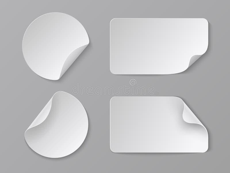 Realistiska pappers- klistermärkear Vit självhäftande runda och rektangulära prislappar, tom modell för veckhörnpapper vektor royaltyfri illustrationer