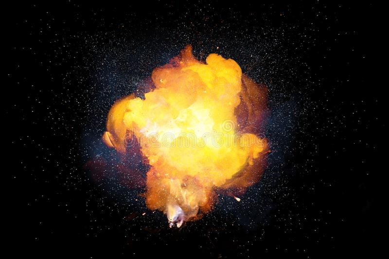 Realistiskt brännhett bombarderar explosion med gnistor och röker royaltyfri foto