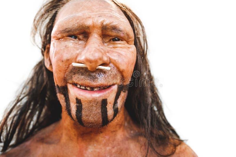 Realistyczny prehistoryczny wczesny mężczyzna neanderthal reprodukci portreta zbliżenie obraz royalty free