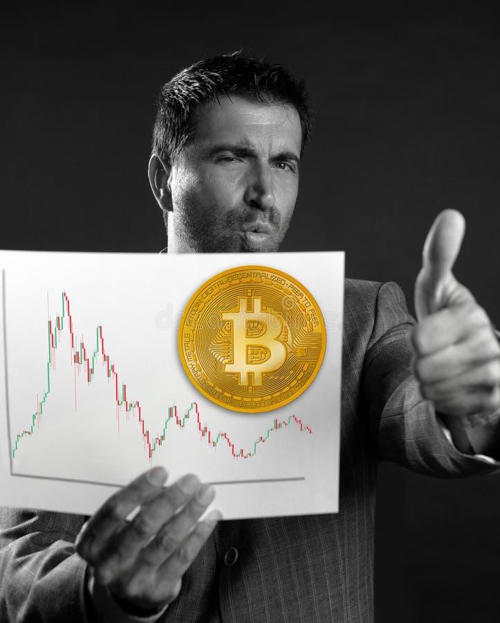 Realitet för ok för finger för Bitcoin affärsmantumme övre fotografering för bildbyråer