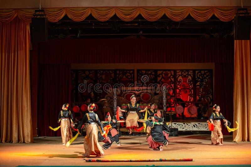 Realizacja tradycyjnej kultury Sarawak Cultural Village fotografia royalty free