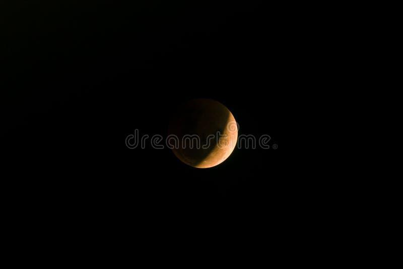 Reaparición de la luna estupenda de la sangre azul fotografía de archivo