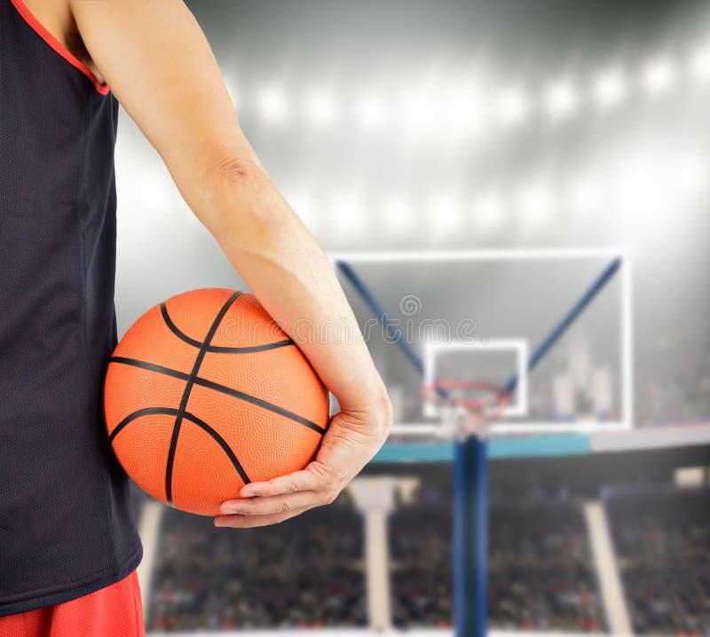Rearview van een basketbalspeler stock foto