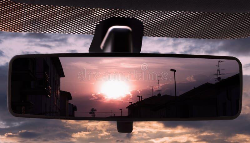 rearviewmirror日落 库存照片