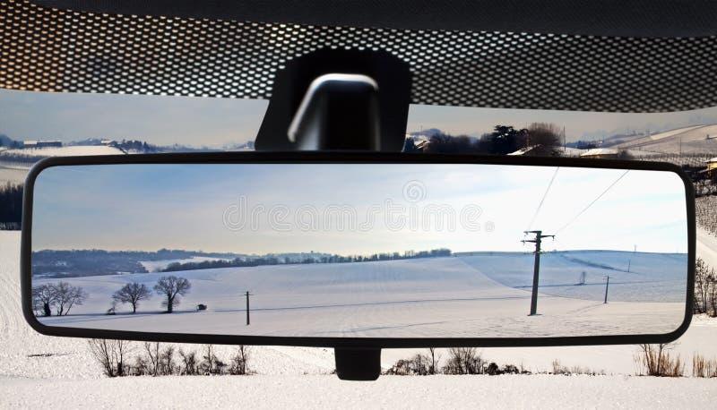 rearviewmirror ландшафта стоковые фото