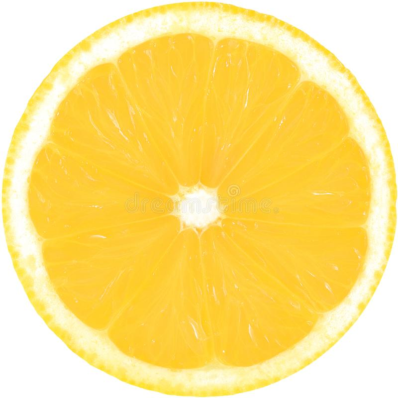 Rebanada amarilla jugosa de limón aislada en un fondo blanco con la trayectoria de recortes El círculo perfecto del limón cortado fotografía de archivo