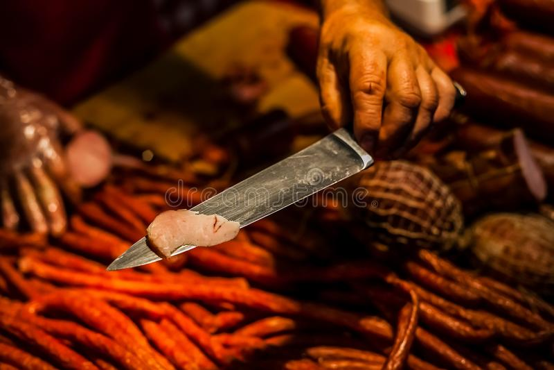 Rebanada de carnes dulces frías curadas frescas fotos de archivo libres de regalías
