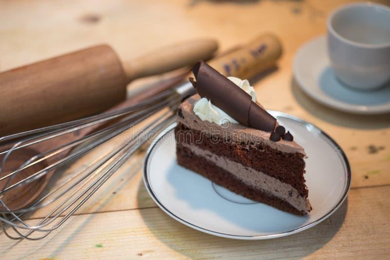 Rebanada de la torta de chocolate fotografía de archivo