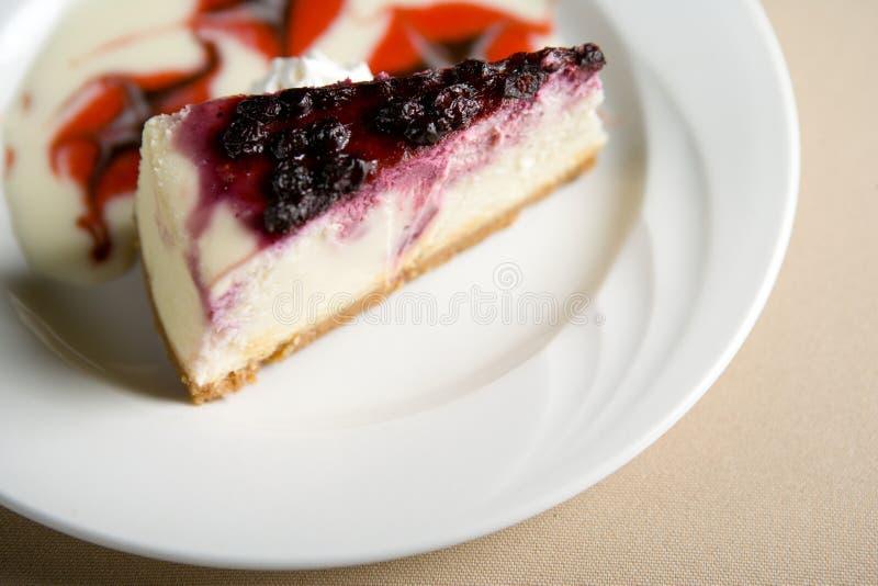 Rebanada de pastel de queso imágenes de archivo libres de regalías
