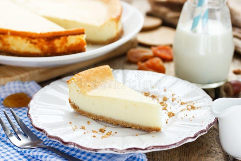 Rebanada de pastel de queso de Nueva York imagen de archivo