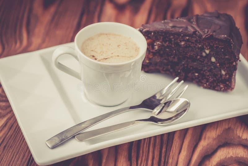 Rebanada de torta de chocolate Sacher fotografía de archivo