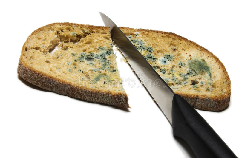 Rebanada mohosa del pan en dos fotos de archivo