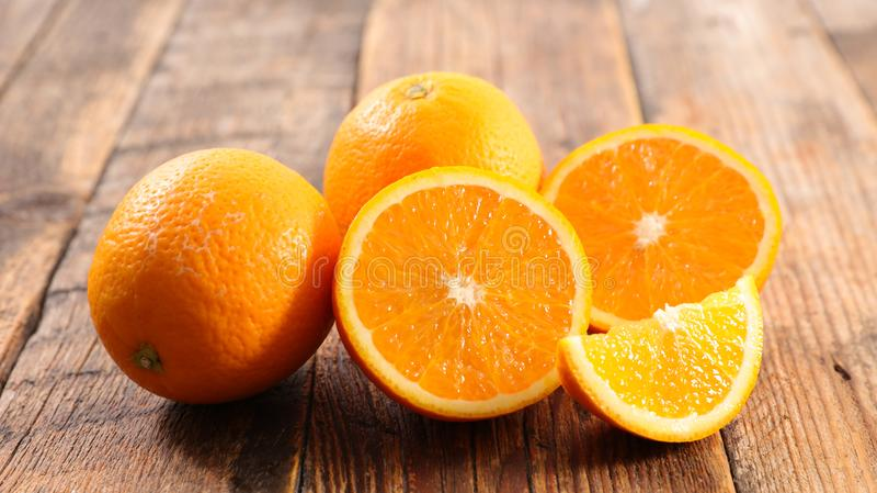 Rebanadas anaranjadas frescas fotografía de archivo libre de regalías