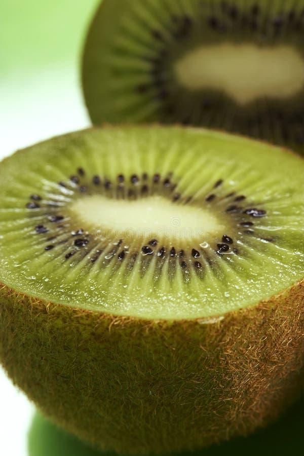 Rebanadas del kiwi foto de archivo